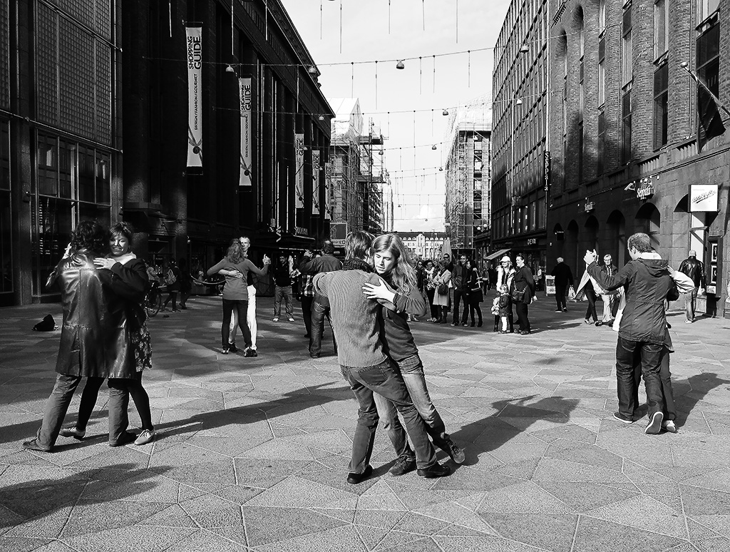 Tango Flashmob at Helsinki, SnapShot Photography, 2012 Tiina Alvesalo.